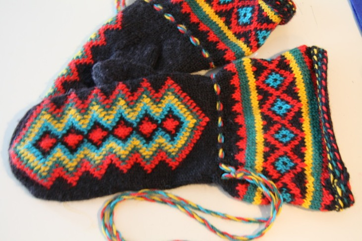 Knitted mittens from Lapland